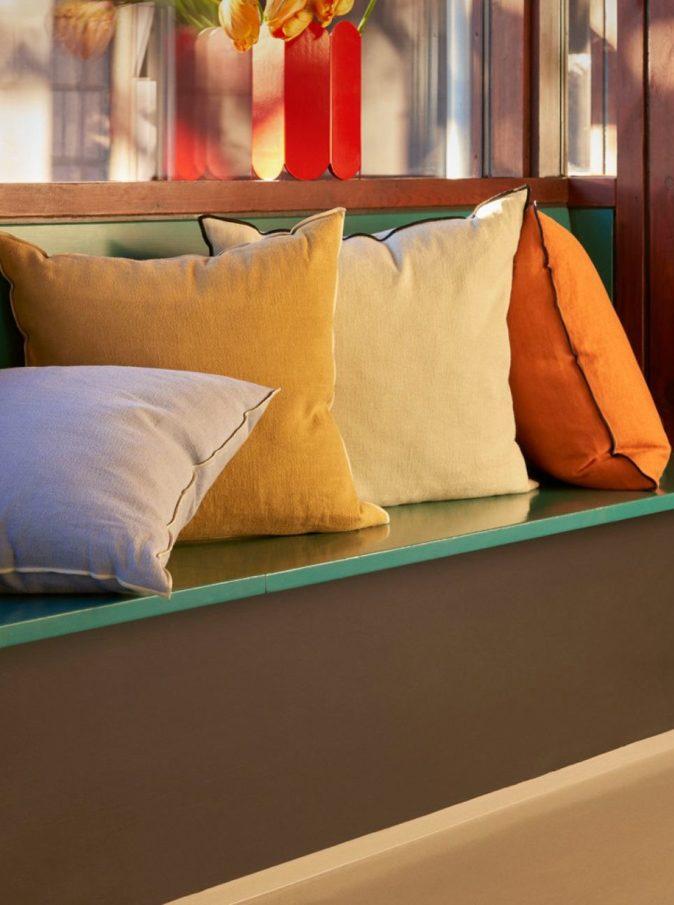 Coussin pillow jaune safran et orange